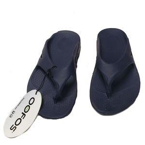 OOFOS Unisex Thong Flip Flops
